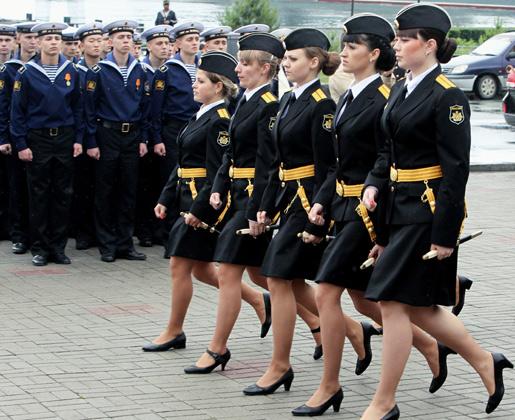 Связанные девушки в военной форме, анал порно фото крупный план трансы