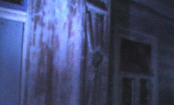 В заброшенной нижегородской деревне сняли призарков журналисты, стали, вывели, белая, мелькнула, экране, машинуИ, прямо, экран, маленький, изображение, видеоловушки, секунду, Установили, фантазиюСпать, разыгравшуюся, списали, путешественники, разговор, послышался