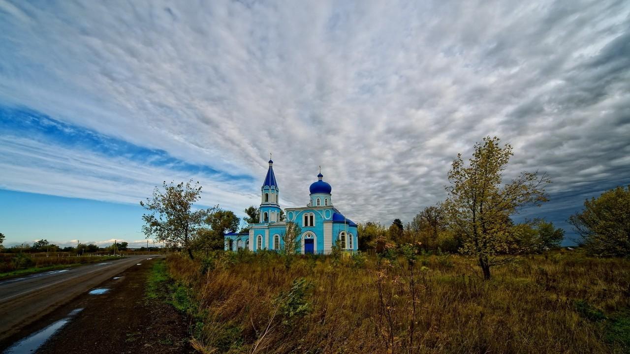 Ни слова о душе: Медведев утвердил план по развитию села