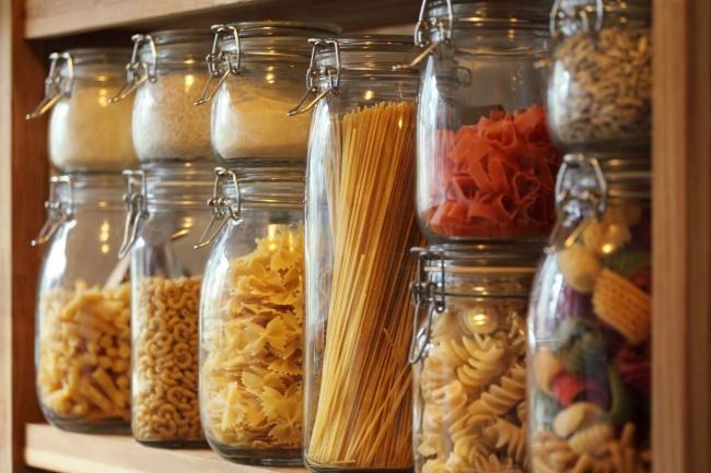 15 идей как скрыть беспорядок дома и привести гостей в восторг