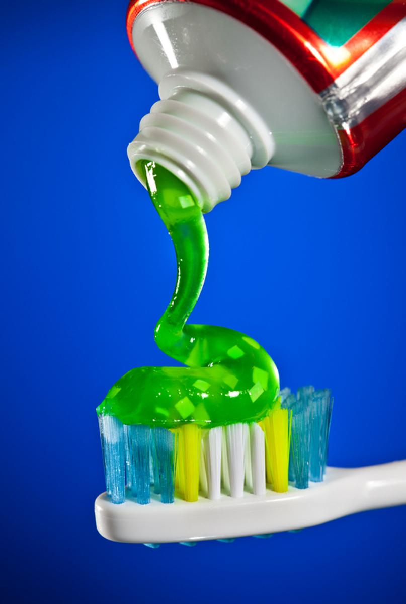 Одно средство для 17 случаев. Вы удивитесь, узнав что может простая зубная паста