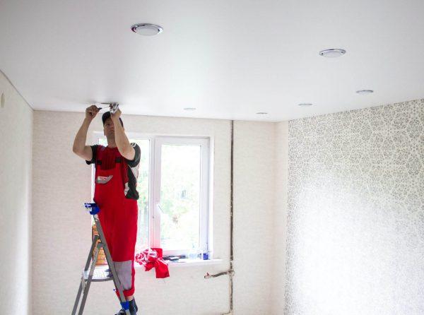 В каких квартирах лучше не ставить натяжные потолки