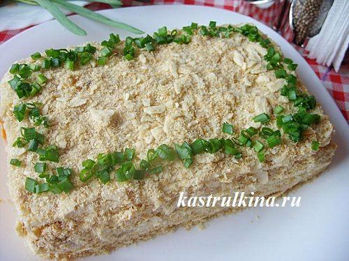 закусочный слоеный торт с рыбными консервами