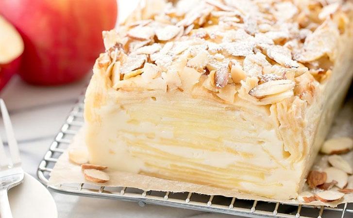 Тесто в духовке превращается в крем: пирог с яблоками и грушами тает во рту сладкая выпечка