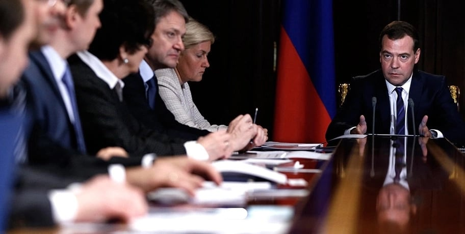 Правительство в отставку – единственный способ победить бедность в России