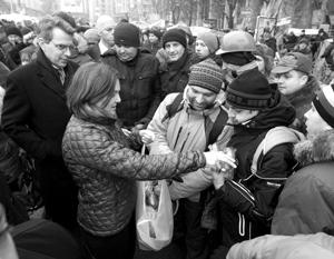 Нуланд объяснила раздачу сэндвичей на Майдане после «страшной ночи насилия»