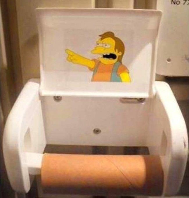 15 забавных актов вандализма, обнаруженных в общественных туалетах изображение 5
