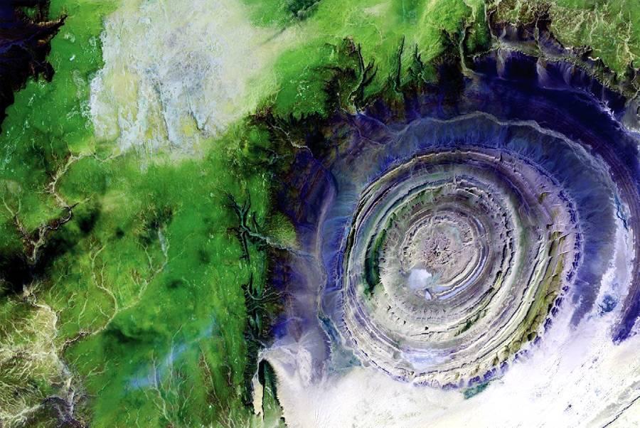 Структура Ришат Мавритания. Могущество и величие природы. Самые загадочные и аномальные геологические образования на планете. Фото с сайта NewPix.ru
