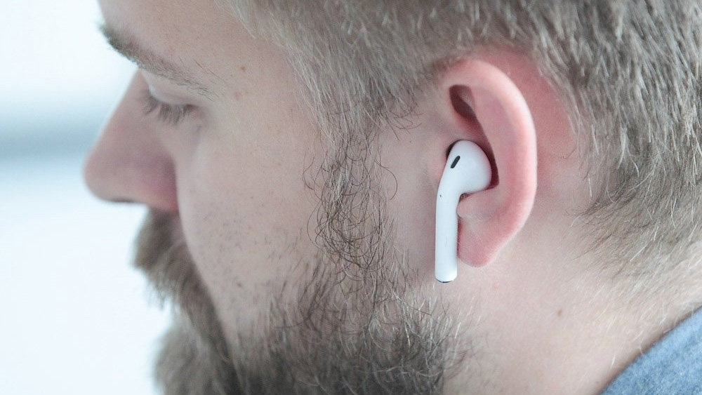 Apple отложила на неопределенный срок выпуск беспроводных наушников