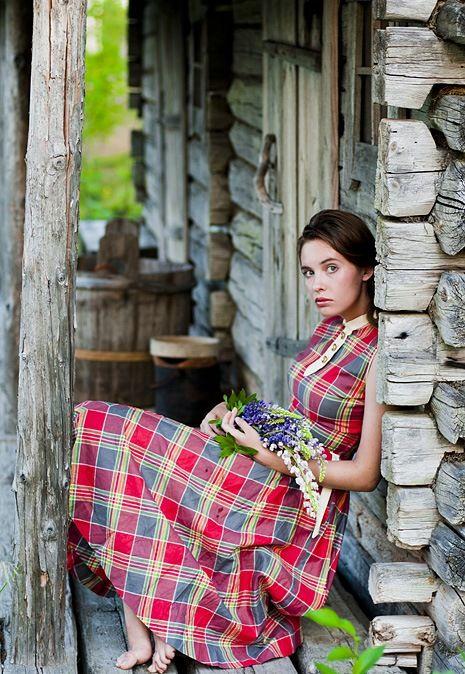 Фото девушек простых деревенских, муж позвал друзей ебать свою непослушную жену