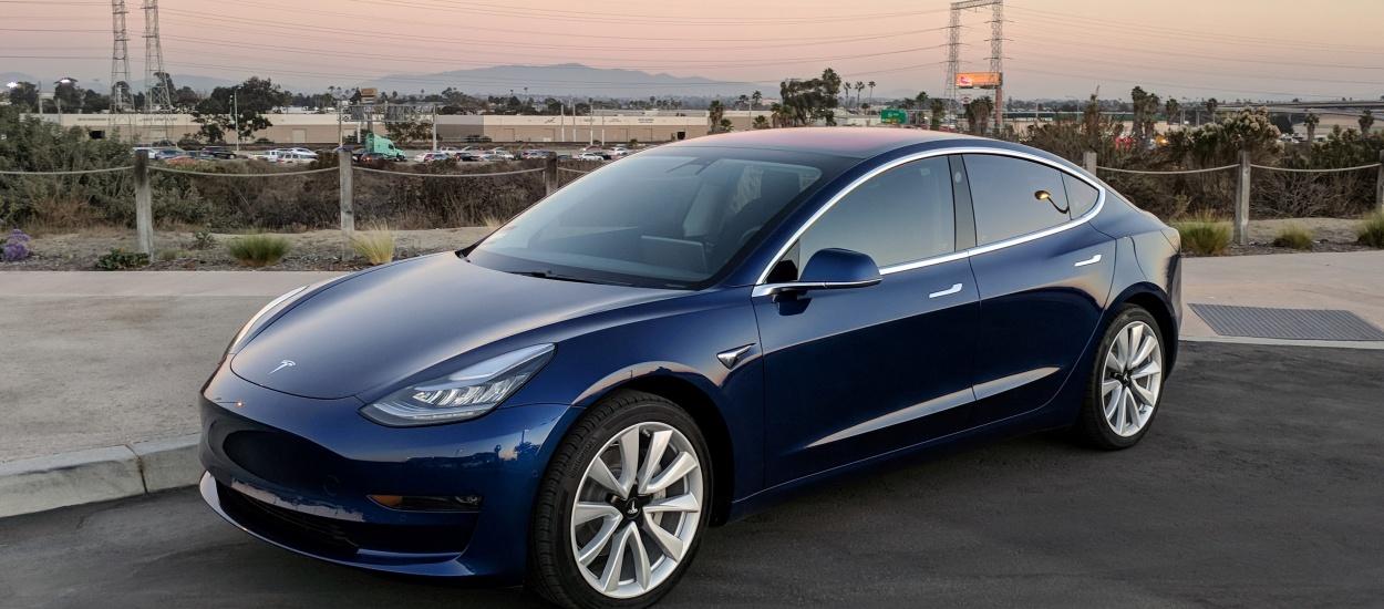 Tesla откладывает выпуск полноприводной версии Model 3 до конца года