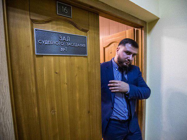 За карабин в заднем проходе прокуратура просит 4,5 года бывшему оперативнику ФСБ Петербурга. К нему предъявлен иск на 10 млн общество,пытки,россияне,силовики,ФСБ