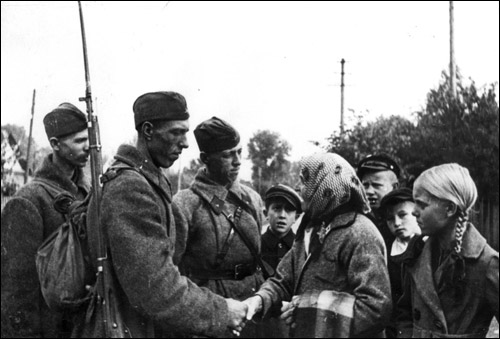 Где советских солдат-освободителей встречали хуже всего