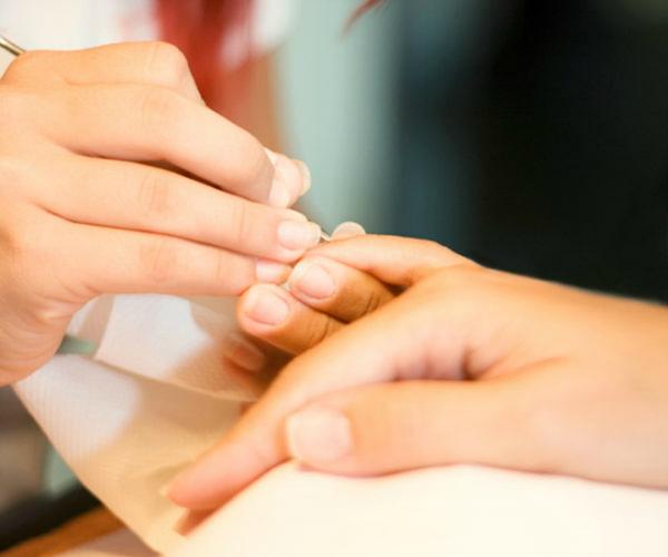 6 симптомов на ваших ногтях, которых не стоит бояться. И один, которого стоит