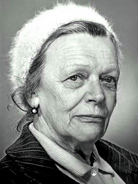 Самая знаменитая бабушка советского кино - это Татьяна Пельтцер. Пельтцер, Рина Зелёная, актрисы, советское кино, фото в молодости