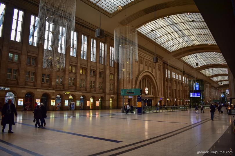 Прогулка по самому большому вокзалу Европы
