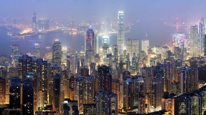 Уникальный автомобильный туннель открылся в Гонконге