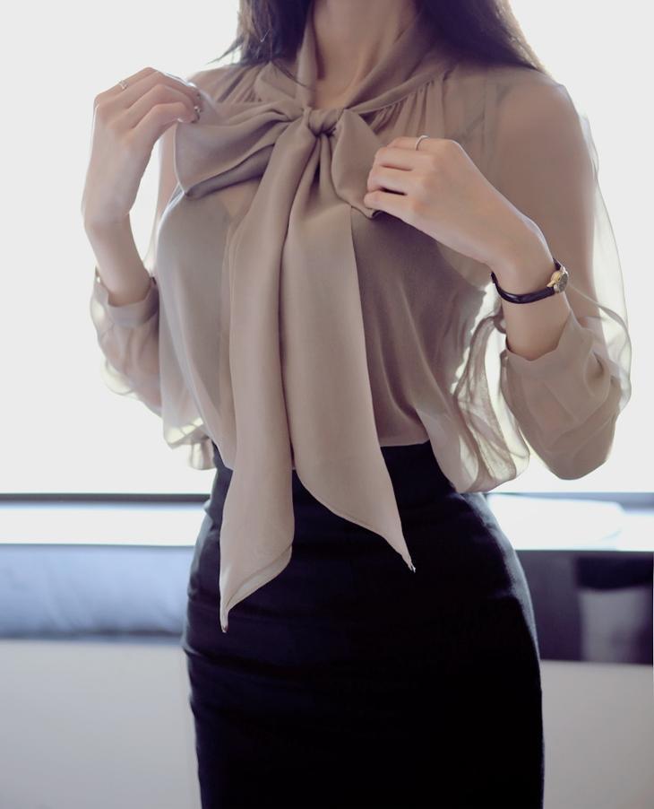 d2a09f2248f Модные блузки из шифона — актуальные оттенки и новинки 2017