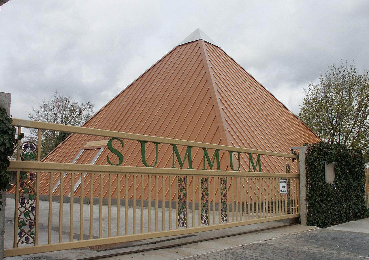 SUMMUM — американский культ, который практикует мумификацию и медитации под мухой