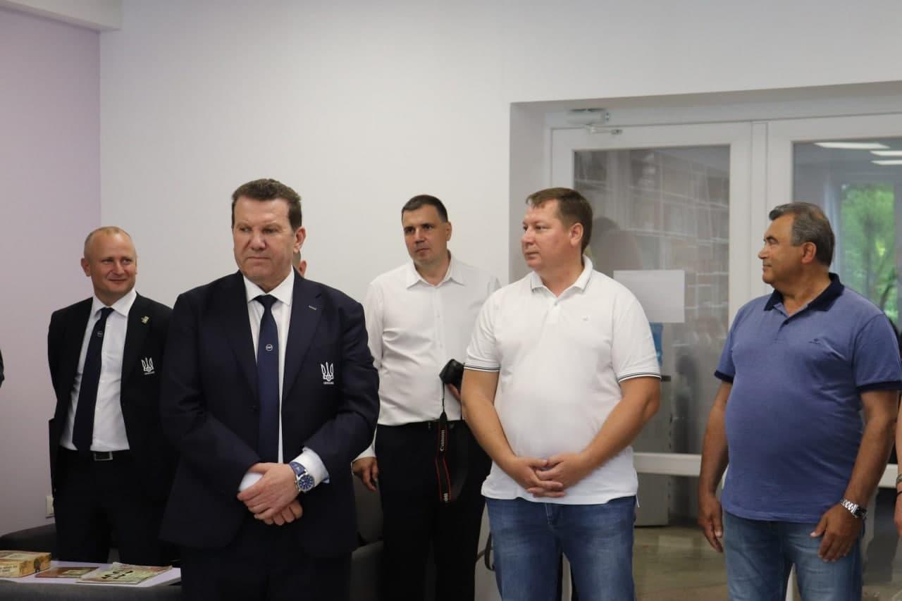 Шапито под вывеской «крымской платформы». Посол Белоруссии посетил антироссийское мероприятие геополитика