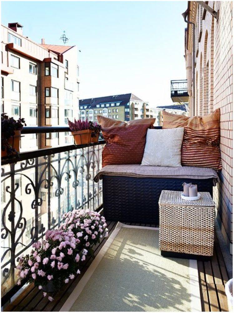 Балкон в цветах: Белый, Светло-серый, Серый, Черный, Темно-коричневый. Балкон в стиле: Скандинавский.