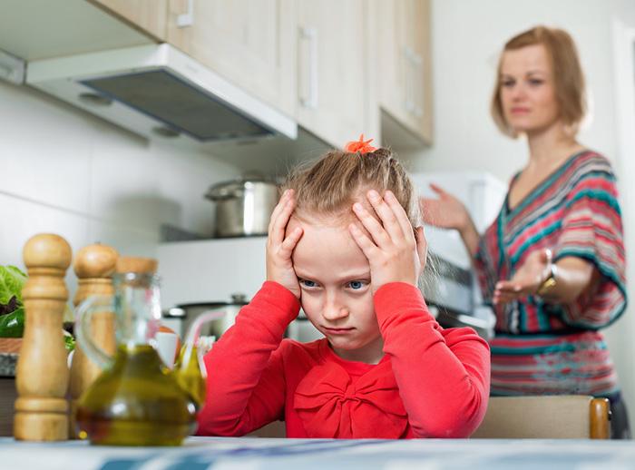 10 фраз, которые никогда нельзя говорить старшим детям воспитание