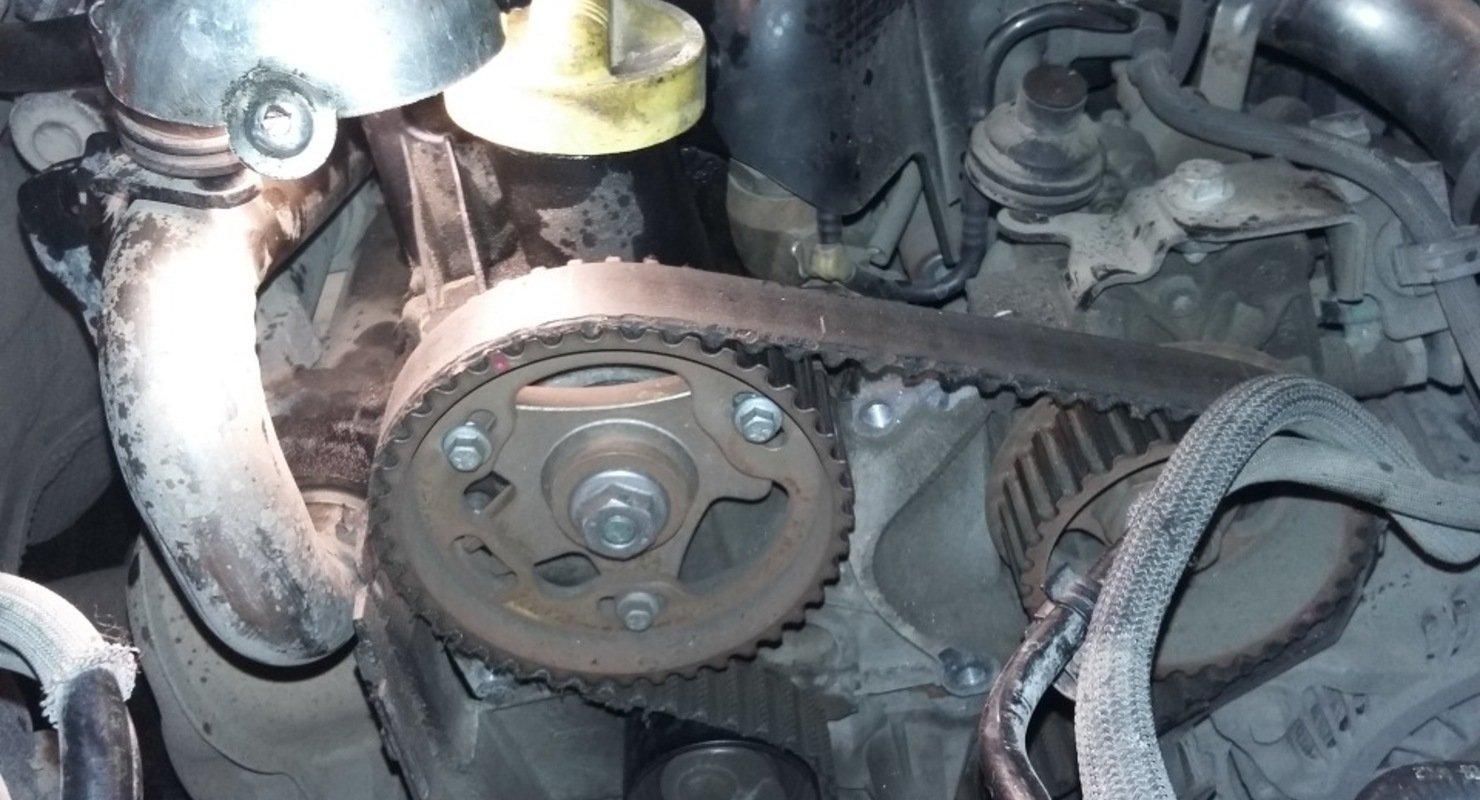 Можно ли эксплуатировать автомобиль, если ремень ГРМ перескочил на один шкив Автомобили