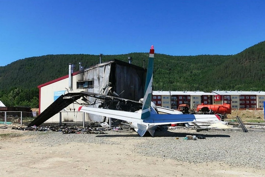 Давайте наградим стюардессу, спасшую 43 пассажира загоревшегося самолета в Бурятии!