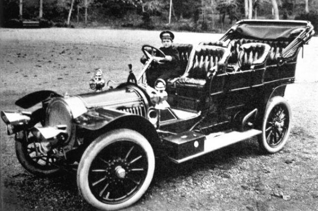 На выставке в Москве показали любимый автомобиль Николая II