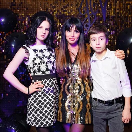 Как выглядит 15-летняя дочь Юлии Волковой из «Тату»