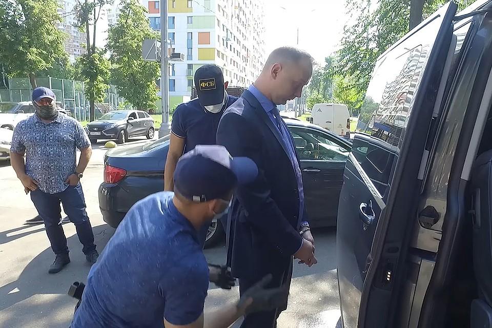 """Советника главы """"Роскосмоса"""" задержали за госизмену"""