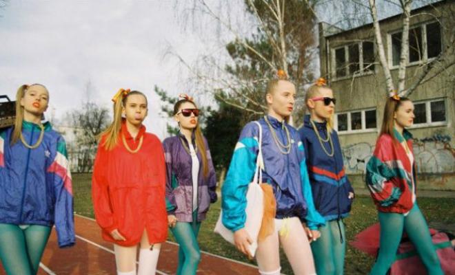 Как одевались школьницы 90-х