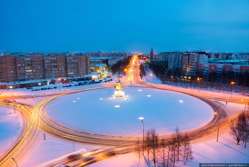 Кольцо на пересечении проспекта Ленина, улиц Майской и Островского