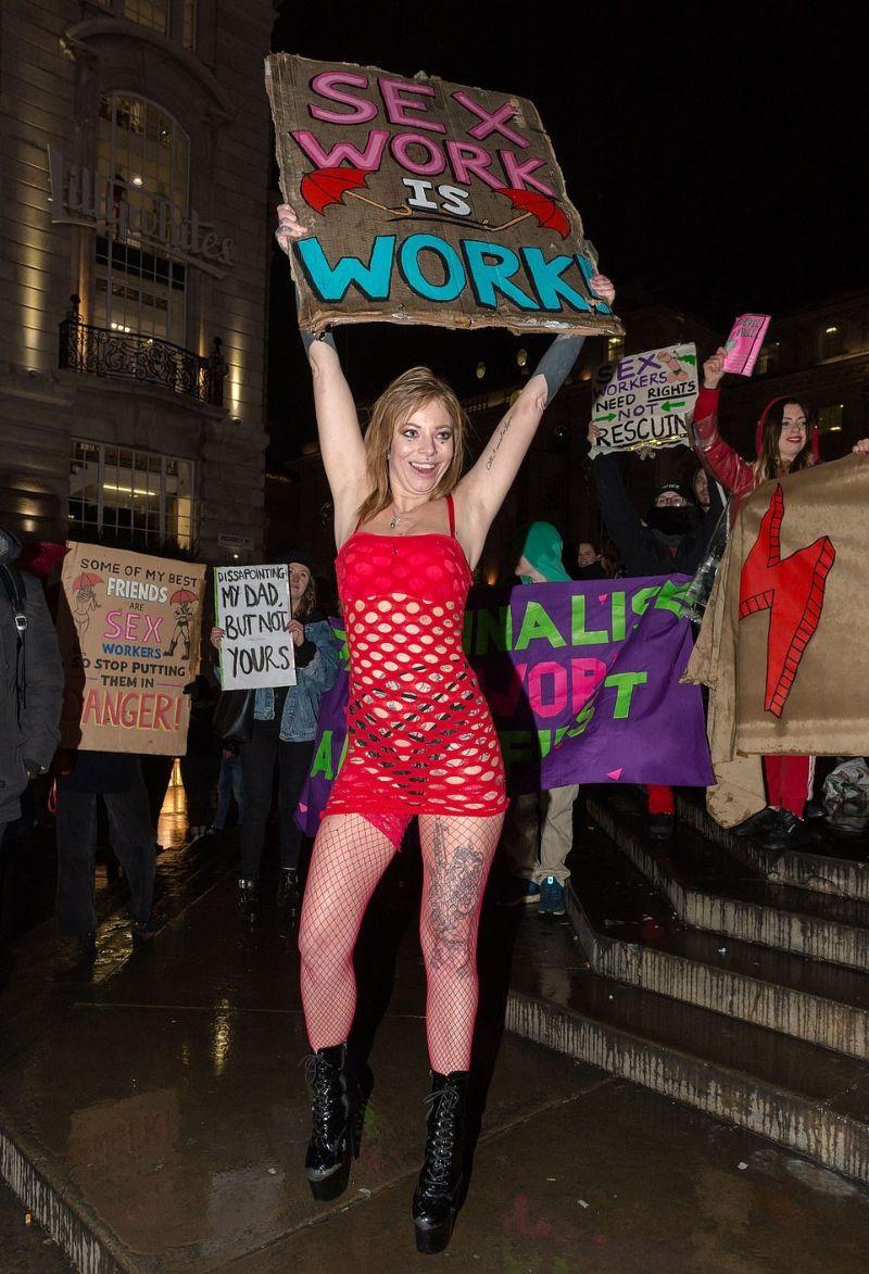 Бастуют проститутки снять проститутку тульская область алексин