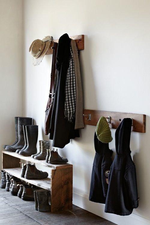 Фотография: Прихожая в стиле Скандинавский, Советы, хранение обуви, идеи хранения обуви – фото на InMyRoom.ru