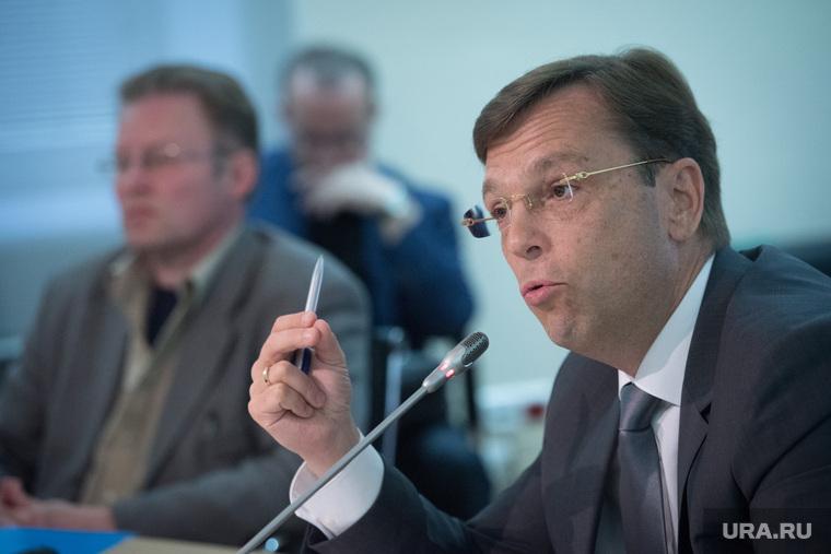 Экономист рассказал, что миллионы россиян зарабатывают больше 100 тысяч рублей зарплаты,общество,россияне,Экономист