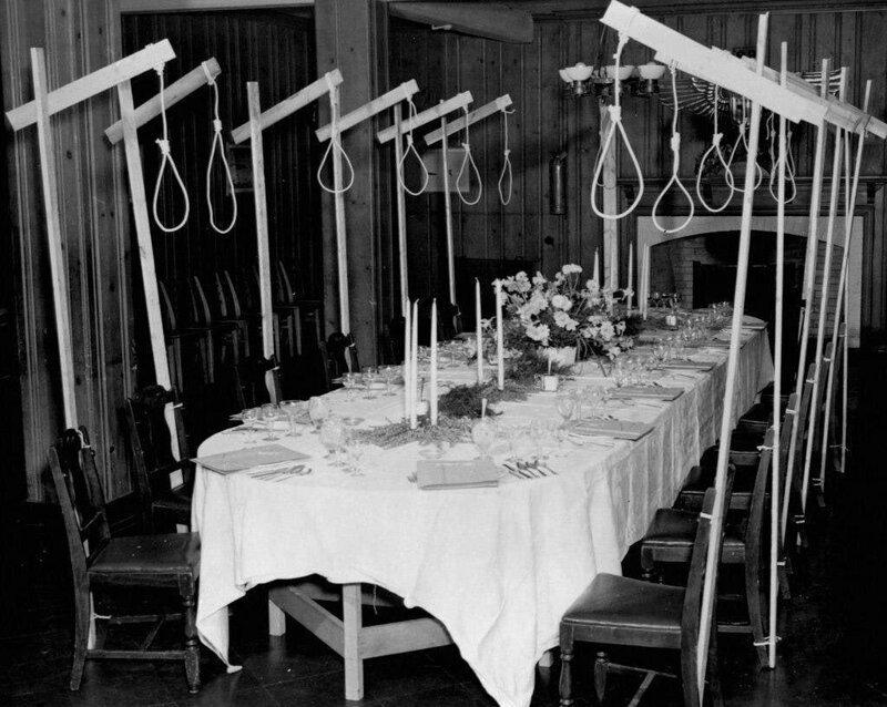 Обеденный стол обвиняемых на Нюрнбергском процессе. Германия, 1945 г. жизнь, прошлое, ситуация, факт