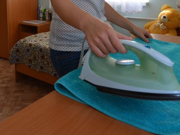 В Ульяновском интернате воспитательница прижгла ребенка утюгом