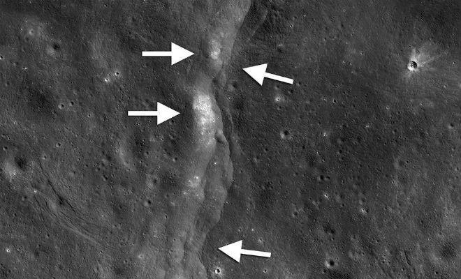 Астрономы разглядели на Луне странную расширяющуюся трещину землетрясение,космос,луна,наука,Пространство,трещина
