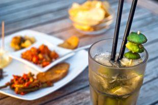 Трубач под водку, грибы для виски. Как сочетать коктейли и еду