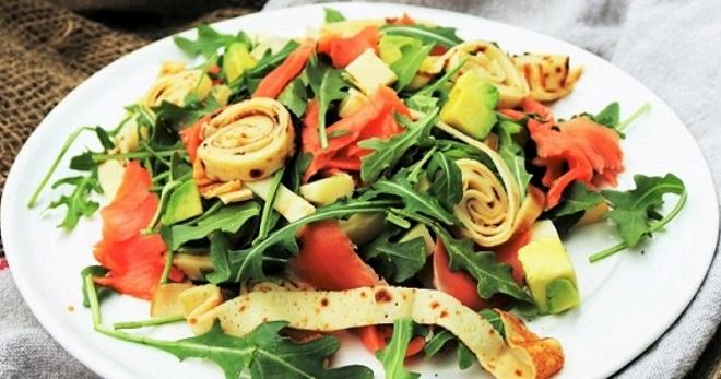 Салат с блинами - самые вкусные идеи приготовления сытной закуски
