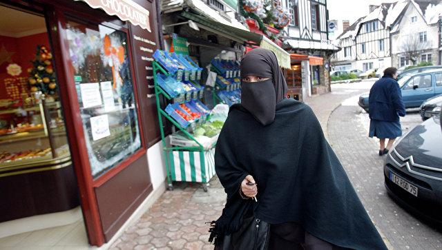 """""""Белым вход воспрещен"""". Во Франции набирает ход расизм наоборот"""