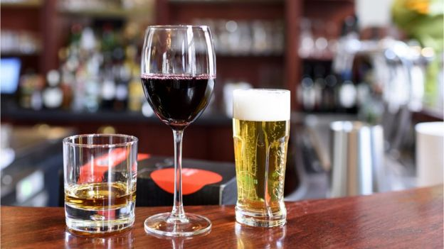 Так сколько пить, чтобы и старческой, и алкогольной деменции избежать?