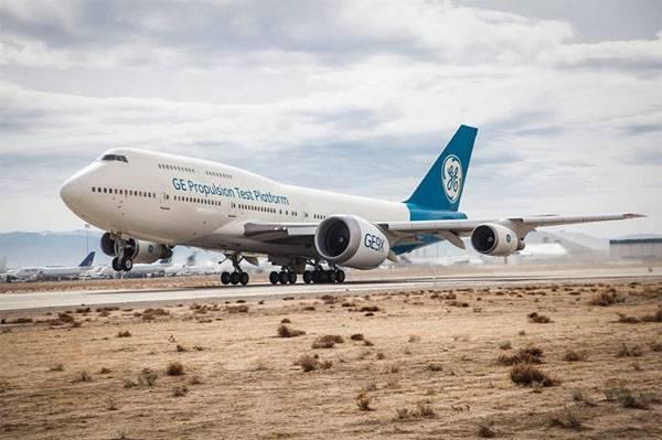 В США прошли первые лётные испытания крупнейшего авиационного двигателя  GE9X