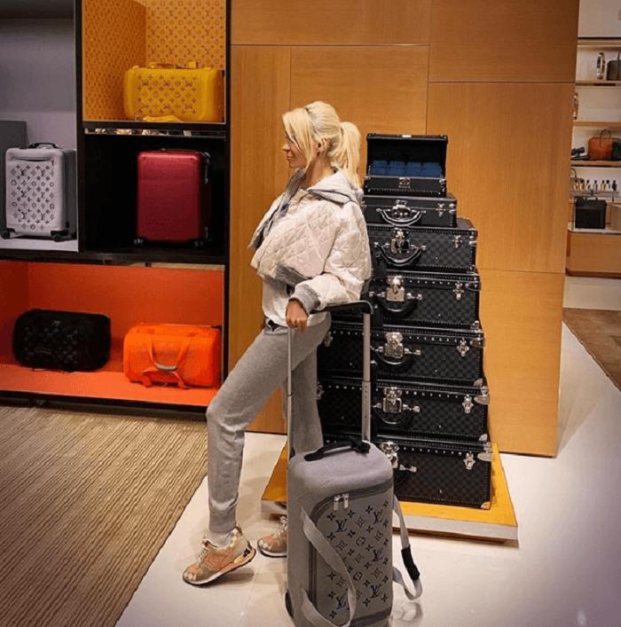 -Малыш на миллион-: Рудковская похвасталась, что сын купил ей чемодан от Louis Vuitton