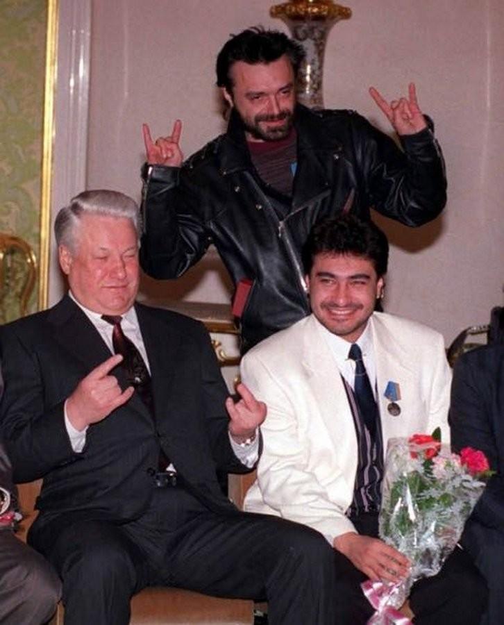 Президент России Борис Ельцин встречается с участниками группы «АлисА», 1993 год, Москва история, картинки, фото