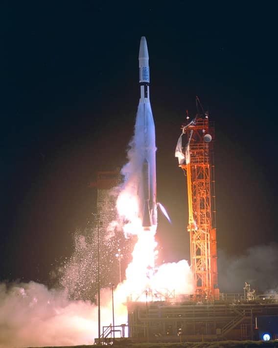 НАСА: пропущенный дефис деньги, опечатки, ошибки