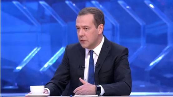 Медведев рассказал, видит ли…
