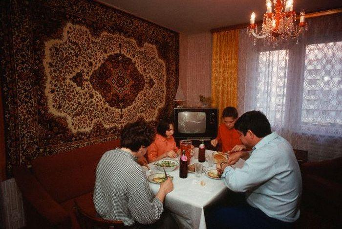 8 жутких предметов интерьера из СССР, которые уродуют вашу квартиру