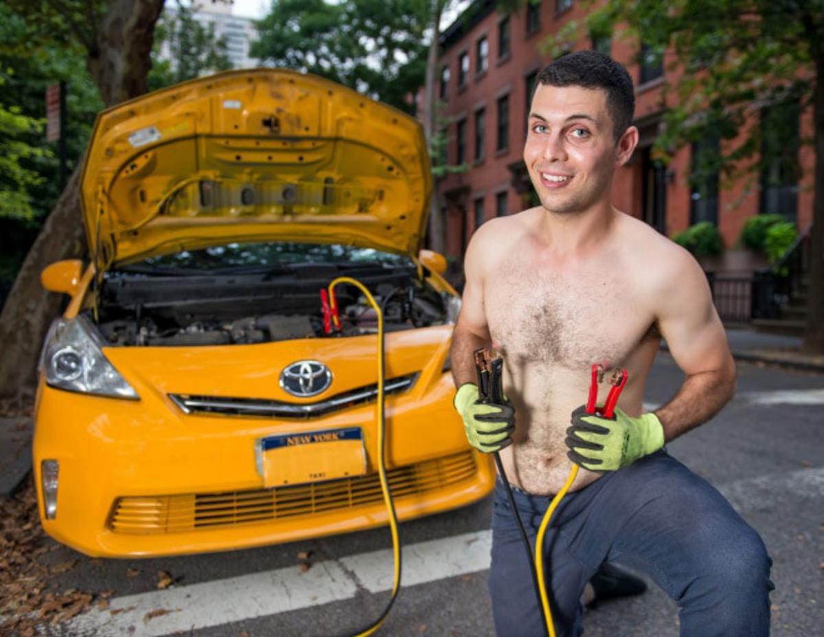 Американские таксисты рассмешили интернет фотосессией в пинап-стиле
